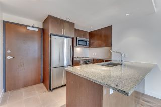 """Photo 6: 1007 2978 GLEN Drive in Coquitlam: North Coquitlam Condo for sale in """"Grand Central One"""" : MLS®# R2125381"""