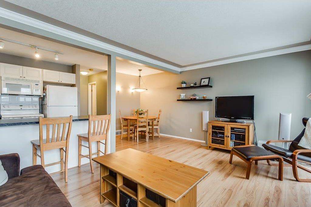 Photo 4: Photos: 137 MILLVIEW Square SW in Calgary: Millrise House for sale : MLS®# C4145951