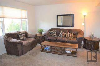 Photo 2: 12 Beaumont Bay in Winnipeg: West Fort Garry Residential for sale (1Jw)  : MLS®# 1828390