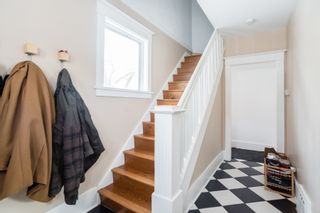 Photo 2: 301 Clarence Avenue North in Saskatoon: Varsity View Residential for sale : MLS®# SK719651