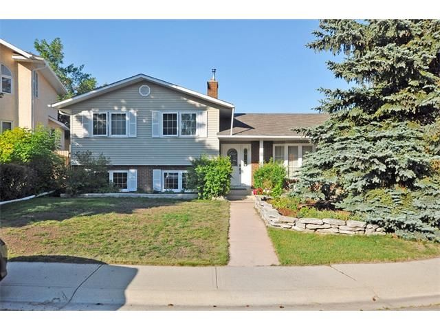 FEATURED LISTING: 8 NORSEMAN Place Northwest Calgary