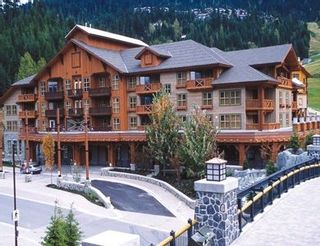 Photo 2: 219 B 2036 LONDON Lane in Whistler: Whistler Creek Condo for sale : MLS®# R2243103