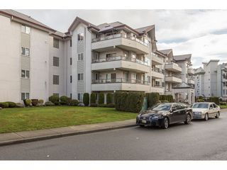 "Photo 2: 203 2526 LAKEVIEW Crescent in Abbotsford: Central Abbotsford Condo for sale in ""Mill Spring Manor"" : MLS®# R2235722"