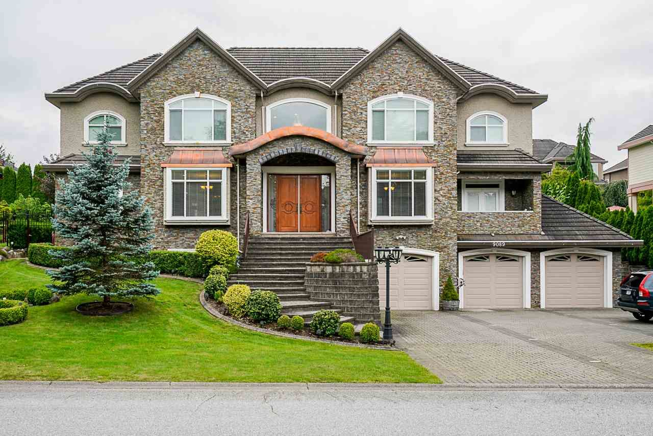 "Main Photo: 9089 162A Street in Surrey: Fleetwood Tynehead House for sale in ""Fleetwood Tynehead"" : MLS®# R2471178"