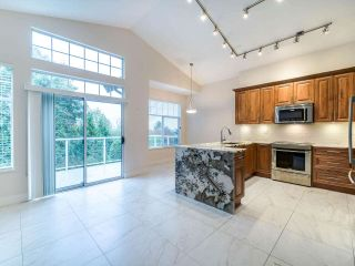 "Photo 5: 17 5221 OAKMOUNT Crescent in Burnaby: Oaklands Townhouse for sale in ""OAKLANDS"" (Burnaby South)  : MLS®# R2512646"