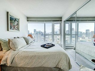 """Photo 11: 3002 183 KEEFER Place in Vancouver: Downtown VW Condo for sale in """"Paris Place"""" (Vancouver West)  : MLS®# V1079874"""