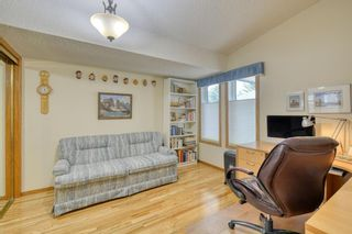 Photo 30: 20A Woodmeadow Close SW in Calgary: Woodlands Row/Townhouse for sale : MLS®# A1127050