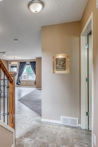 Photo 3: 149 Douglas Glen Manor SE in Calgary: Douglasdale/Glen Detached for sale : MLS®# A1131034