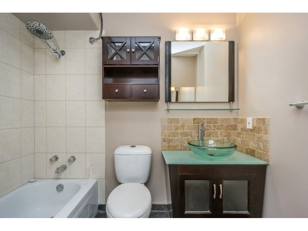 """Photo 15: Photos: 302 33839 MARSHALL Road in Abbotsford: Central Abbotsford Condo for sale in """"Cityscape"""" : MLS®# R2106369"""
