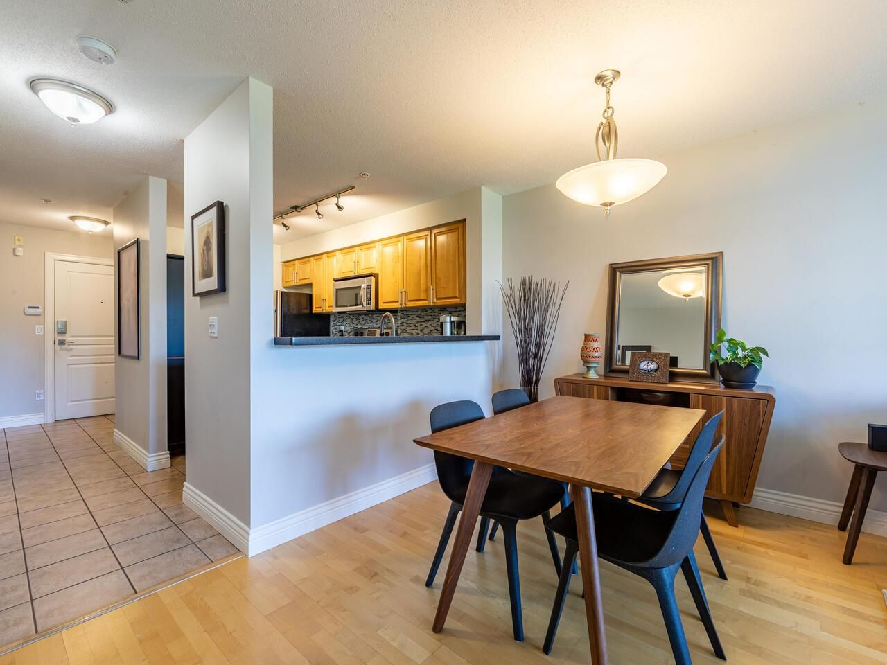"Photo 9: Photos: 226 5800 ANDREWS Road in Richmond: Steveston South Condo for sale in ""THE VILLAS"" : MLS®# R2569641"