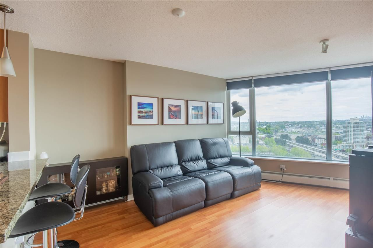 """Photo 6: Photos: 2609 688 ABBOTT Street in Vancouver: Downtown VW Condo for sale in """"FIRENZE ii"""" (Vancouver West)  : MLS®# R2579446"""
