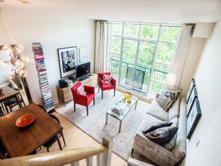 Photo 1: 429 901 W Queen Street in Toronto: Trinity-Bellwoods Condo for lease (Toronto C01)  : MLS®# C4941994