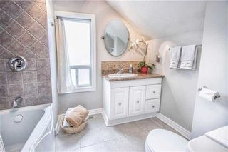 Photo 4: 119 Banting Avenue in Oshawa: Central House (2-Storey) for sale : MLS®# E3166549