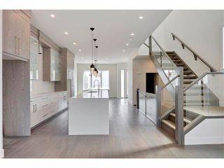 Photo 7: 2613 33 Street SW in Calgary: Killarney_Glengarry House for sale : MLS®# C4034829