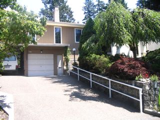 Photo 1: 2148 TOMPKINS Crescent in North_Vancouver: Blueridge NV House for sale (North Vancouver)  : MLS®# V774785