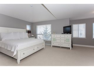 """Photo 9: 20141 68A Avenue in Langley: Willoughby Heights House for sale in """"Woodbridge"""" : MLS®# R2354583"""
