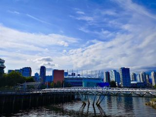 """Photo 12: 319 1783 MANITOBA Street in Vancouver: False Creek Condo for sale in """"The Residence at West"""" (Vancouver West)  : MLS®# R2386439"""