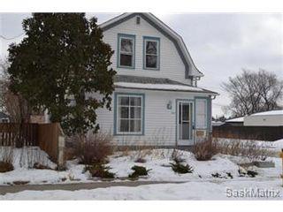 Photo 1: 848 I Avenue South in Saskatoon: King George Single Family Dwelling for sale (Saskatoon Area 04)  : MLS®# 422973