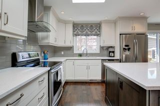 Photo 12: 131 Parkview Way SE in Calgary: Parkland Detached for sale : MLS®# A1106267