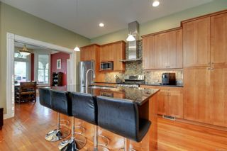 Photo 5: 1319 Stanley Ave in : Vi Fernwood House for sale (Victoria)  : MLS®# 856049