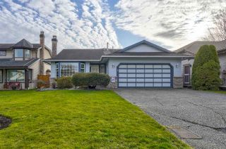 """Photo 1: 21314 86A Crescent in Langley: Walnut Grove House for sale in """"Forest Hills"""" : MLS®# R2543624"""