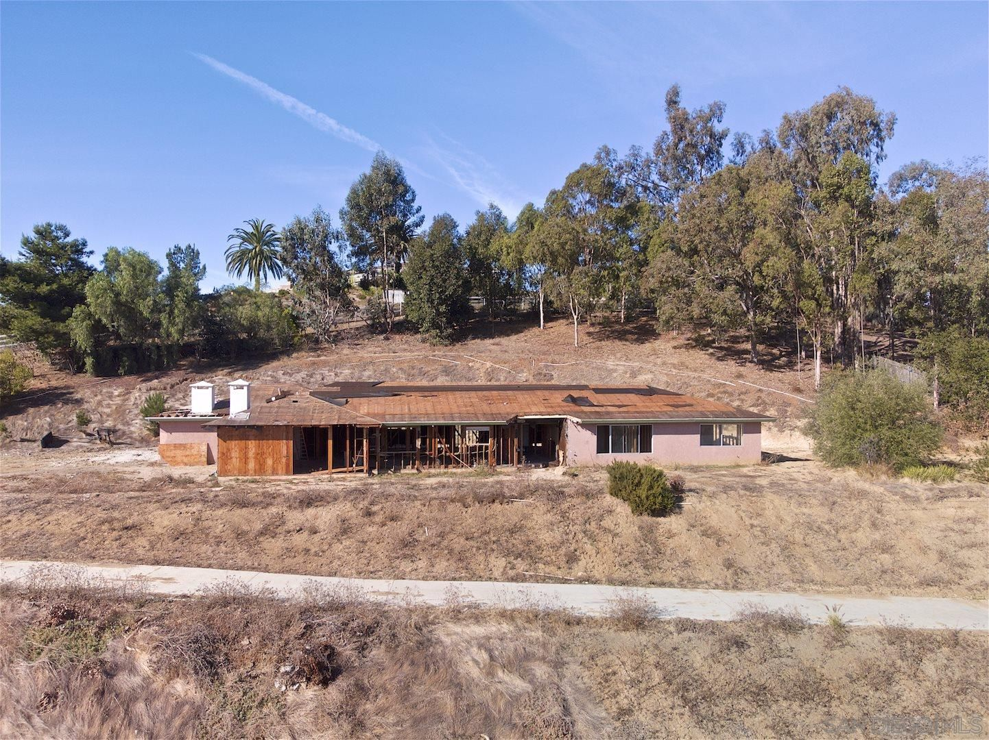 Main Photo: OLIVENHAIN House for sale : 4 bedrooms : 3572 Copper Crest Rd in Encinitas