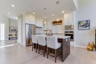 """Photo 10: 27 3103 160 Street in Surrey: Grandview Surrey Townhouse for sale in """"PRIMA"""" (South Surrey White Rock)  : MLS®# R2492808"""