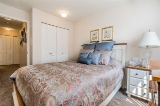 """Photo 13: 105 32145 OLD YALE Road in Abbotsford: Abbotsford West Condo for sale in """"Cypress Park"""" : MLS®# R2373888"""