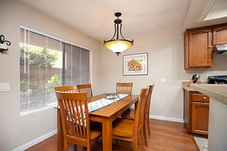 Photo 6: UNIVERSITY HEIGHTS Condo for sale : 2 bedrooms : 4666 MISSION AVE #5 in San Diego