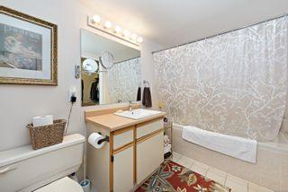 Photo 11: 101 2250 Manor Pl in : CV Comox (Town of) Condo for sale (Comox Valley)  : MLS®# 866765