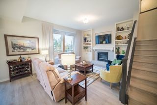 """Photo 3: 24406 112A Avenue in Maple Ridge: Cottonwood MR House for sale in """"MONTGOMERY ACRES"""" : MLS®# R2222162"""