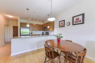 "Photo 8: 313 10180 153 Street in Surrey: Guildford Condo for sale in ""CHARLTON PARK"" (North Surrey)  : MLS®# R2396740"