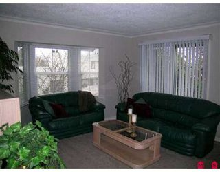 """Photo 2: 829 STAYTE Road: White Rock House for sale in """"East Beach"""" (South Surrey White Rock)  : MLS®# F2703251"""