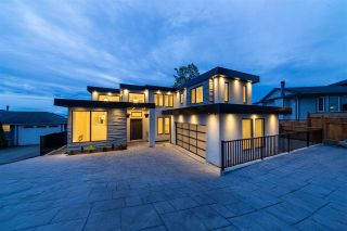 Photo 1: 2230 DAWES HILL ROAD in Coquitlam: Cape Horn House for sale : MLS®# R2574687