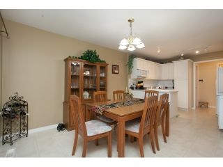"""Photo 7: 54 15959 82ND Avenue in Surrey: Fleetwood Tynehead Townhouse for sale in """"CHERRY TREE LANE"""" : MLS®# R2035228"""