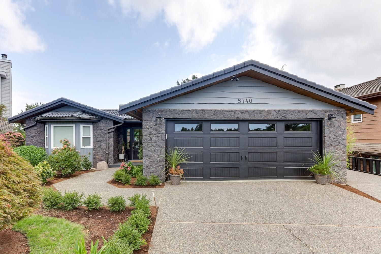 """Main Photo: 5740 GOLDENROD Crescent in Delta: Tsawwassen East House for sale in """"FOREST BY THE BAY"""" (Tsawwassen)  : MLS®# R2609907"""