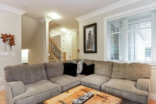 """Photo 3: 75 3109 161 Street in Surrey: Grandview Surrey Townhouse for sale in """"WILLS CREEK"""" (South Surrey White Rock)  : MLS®# R2329802"""