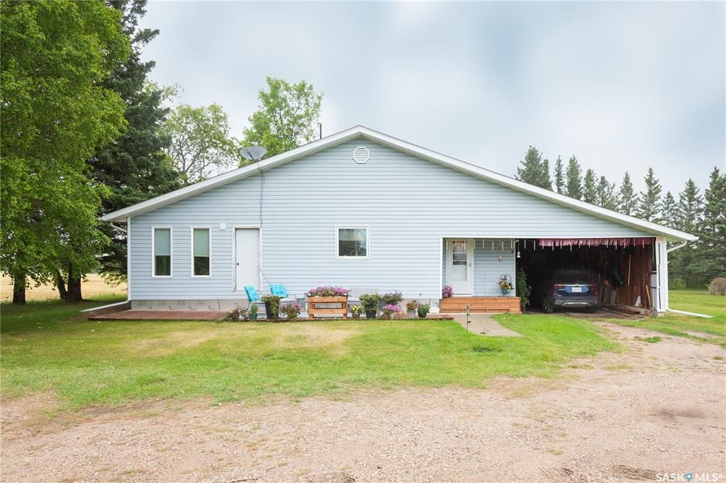 Main Photo: 450 1st Street West in Canwood: Residential for sale : MLS®# SK869691