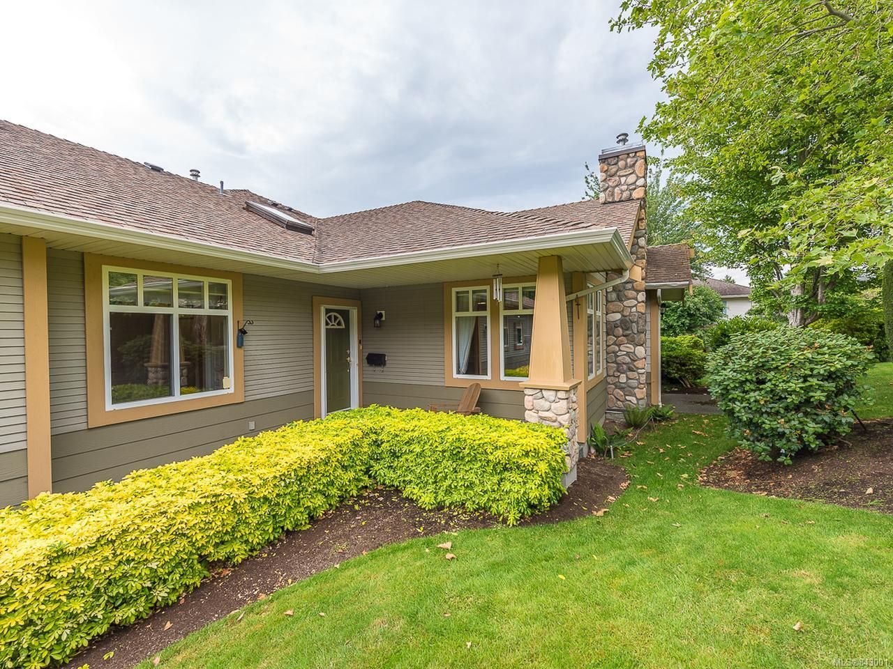 Main Photo: 16 1220 Guthrie Rd in COMOX: CV Comox (Town of) Row/Townhouse for sale (Comox Valley)  : MLS®# 843001