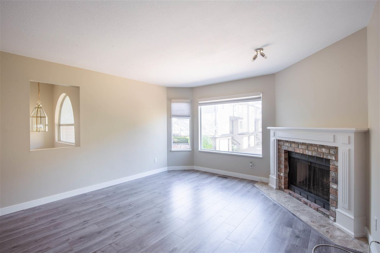 Photo 5: Photos: 3 8751 BENNETT Road in Richmond: Brighouse South Townhouse for sale : MLS®# R2579268