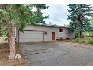 Photo 3: 68 GLENFIELD Road SW in Calgary: Glendle_Glendle Mdws House for sale : MLS®# C4024723