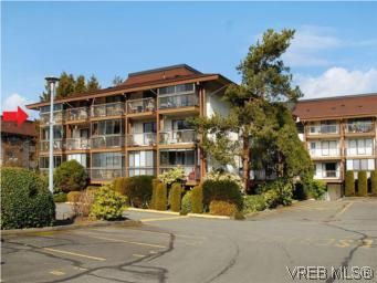 Main Photo: 416 1009 McKenzie Ave in VICTORIA: SE Quadra Condo for sale (Saanich East)  : MLS®# 553135