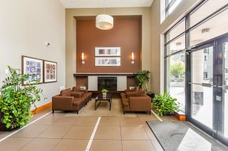 """Photo 7: 1705 1 RENAISSANCE Square in New Westminster: Quay Condo for sale in """"The Q"""" : MLS®# R2623606"""