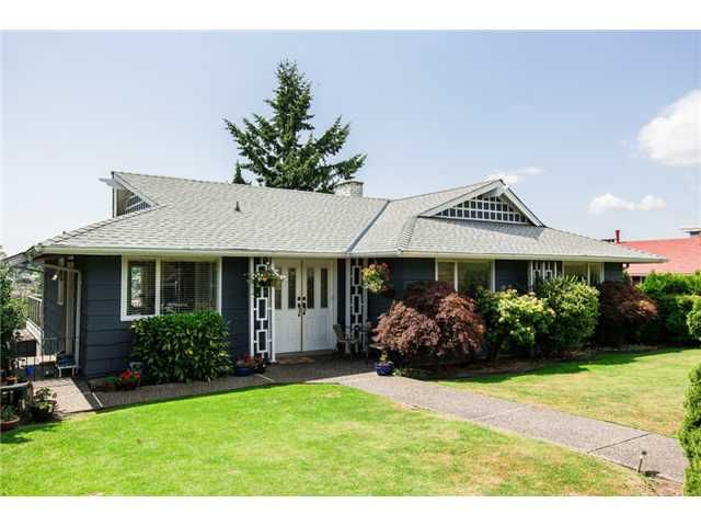 Main Photo: 90 COURTNEY Crescent in New Westminster: The Heights NW House for sale : MLS®# V1076652