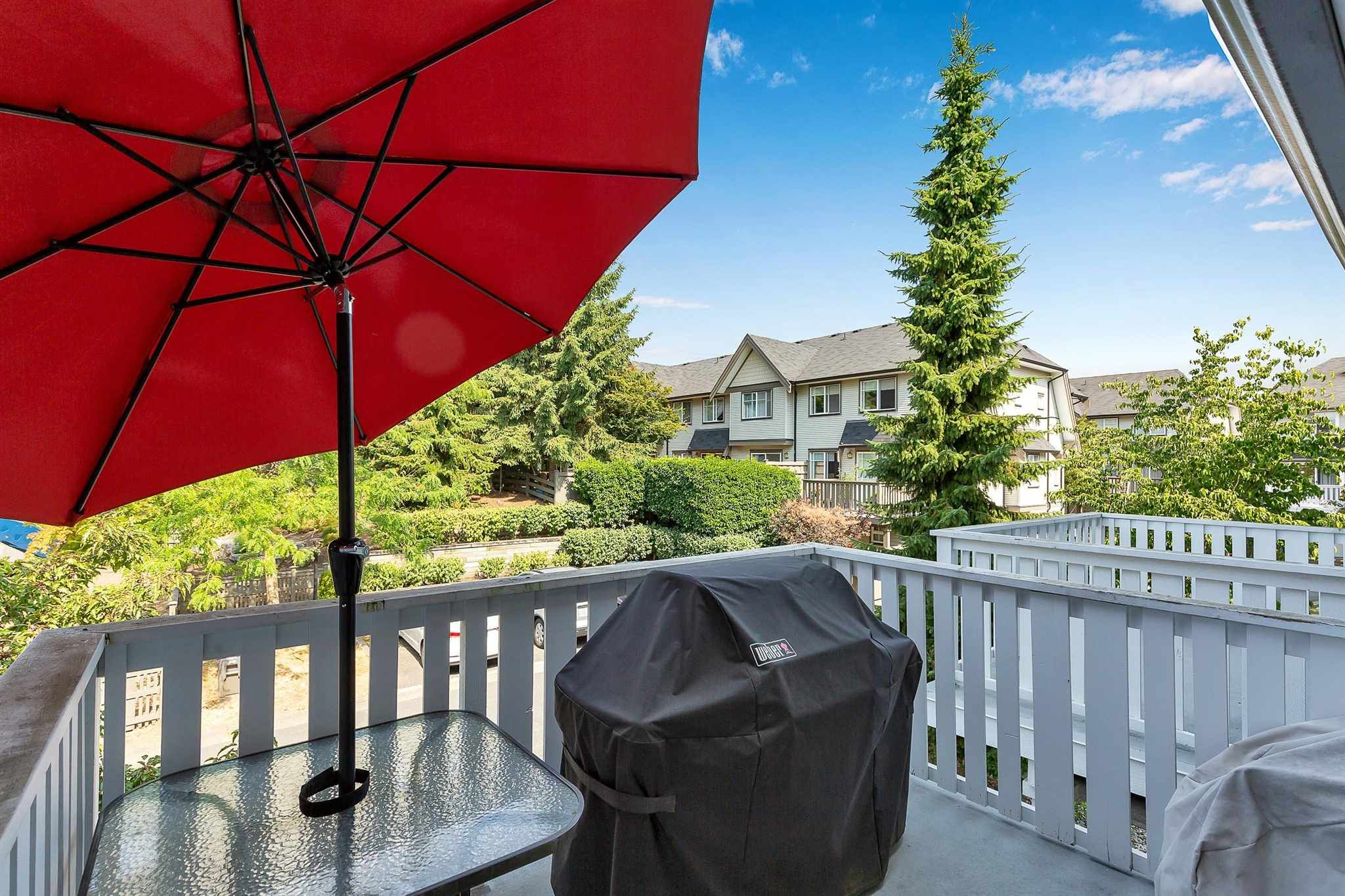"""Photo 27: Photos: 9 15871 85 Avenue in Surrey: Fleetwood Tynehead Townhouse for sale in """"Huckleberry"""" : MLS®# R2606668"""
