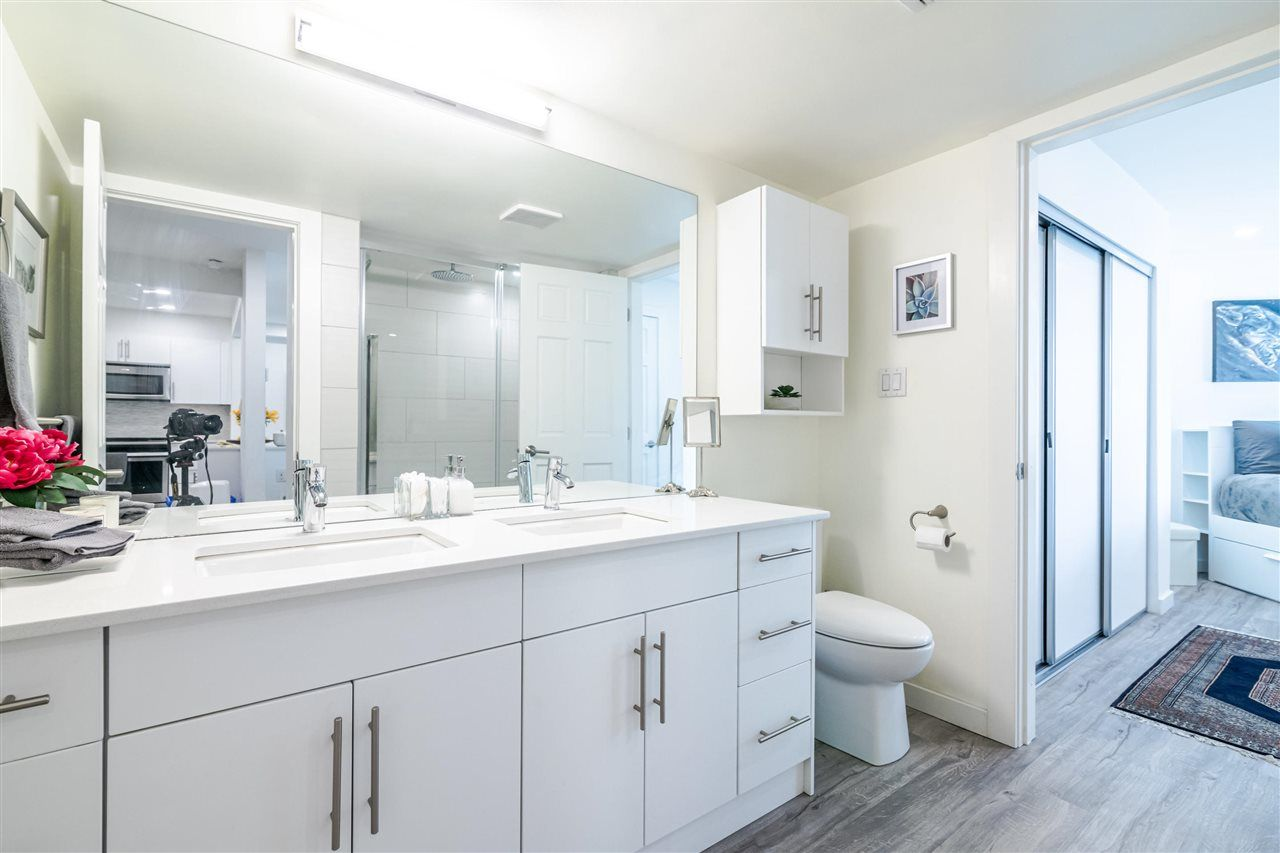 Photo 13: Photos: 3203 33 CHESTERFIELD Place in North Vancouver: Lower Lonsdale Condo for sale : MLS®# R2388716