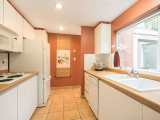 """Photo 17: 1585 MARINER Walk in Vancouver: False Creek Townhouse for sale in """"LAGOONS"""" (Vancouver West)  : MLS®# R2158122"""