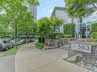 Main Photo: 3003 583 BEACH Crescent in Vancouver: Yaletown Condo for sale (Vancouver West)  : MLS®# R2622577