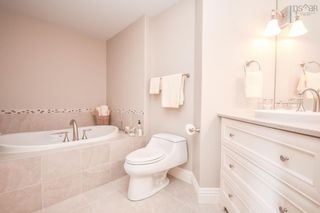 Photo 18: 1204 1445 South Park Street in Halifax: 2-Halifax South Residential for sale (Halifax-Dartmouth)  : MLS®# 202125625