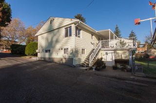 Photo 20: 9470 134 Street in Surrey: Queen Mary Park Surrey House for sale : MLS®# R2219446